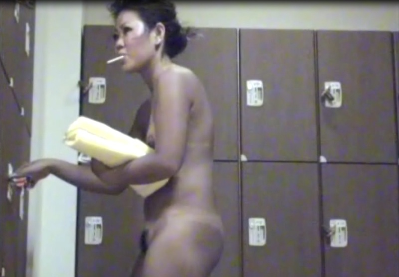 [盗撮動画][盗撮]無修正:海水浴でセクロスを始めた本格的な