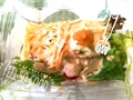 今日のお昼ご飯は、セブンイレブンの明太子ソースのパスタサラダとおにぎり(^^)